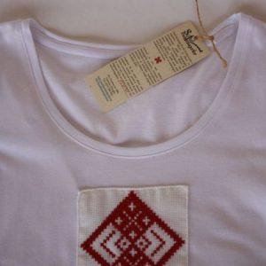 Tricou de damă cu motive tradiționale aplicate – Sibiu