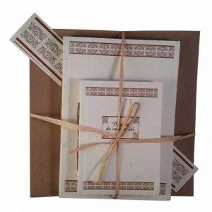 Set cadou cu motive tradiționale din zona Vlaşca (maro)